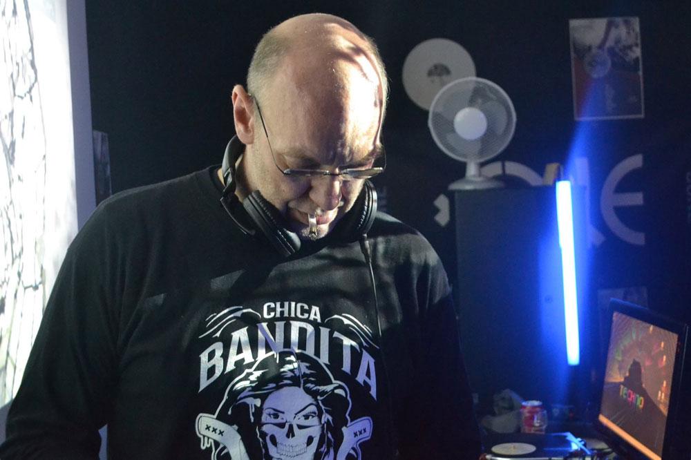 DJ Monde with Chica Bandita