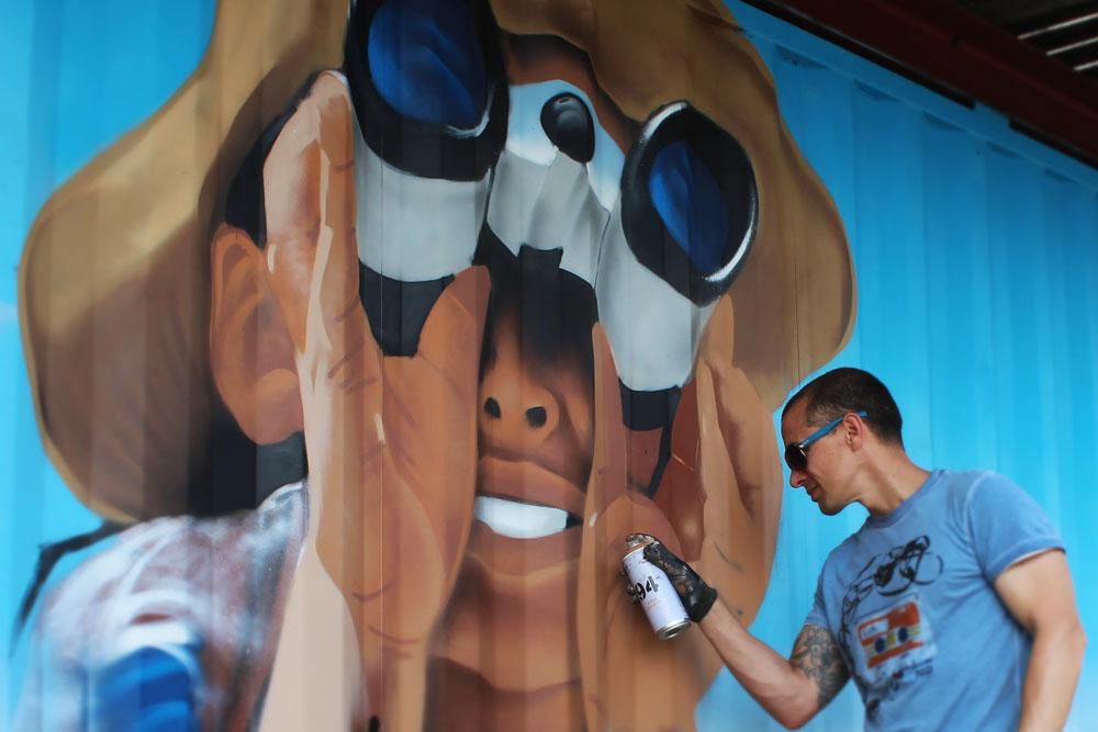 Street artist BatArtworks